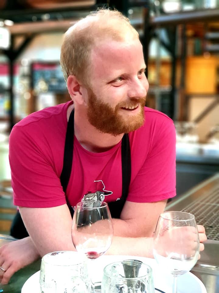 Maximilien - Caviste chez Tastavin. Spécialiste de vin francais à Berlin.