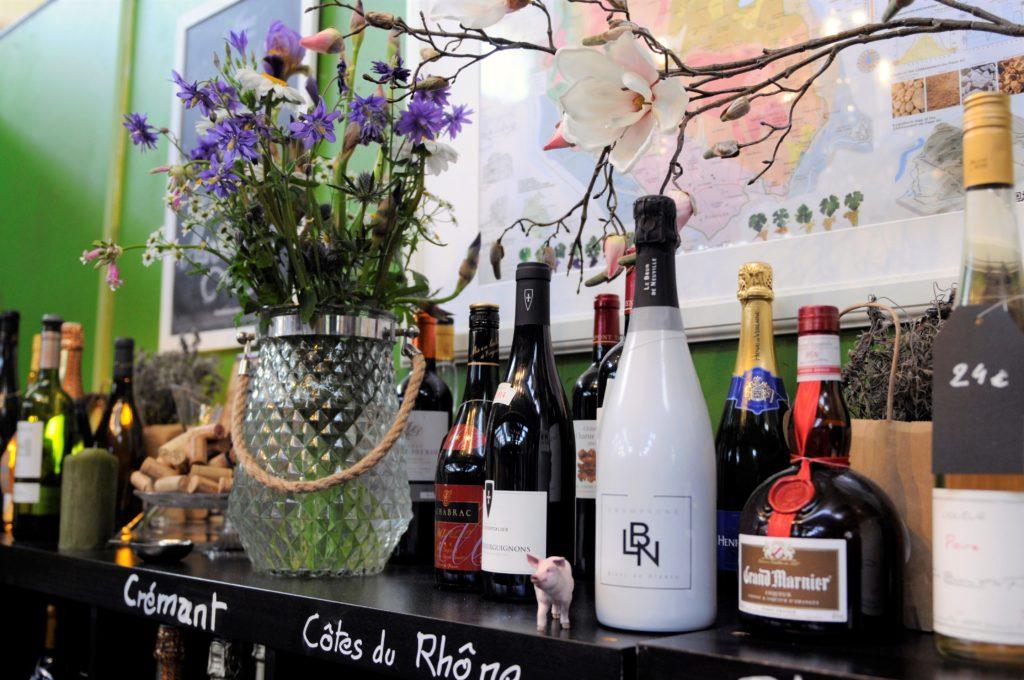 Vendeur de vin en ligne Tastavin. Un vrai caviste à votre service